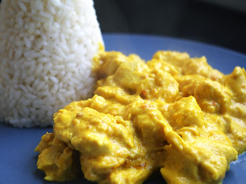 Pollastre macerat al curry